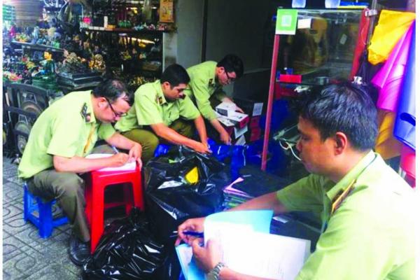 Quyền góp ý về giá cả, chất lượng dịch vụ hàng hóa