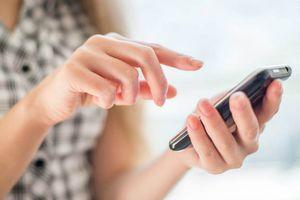 Vợ ly dị khi thấy chồng đặt tên tệ bạc cho mình trong điện thoại