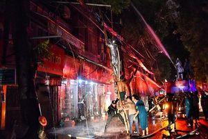 'Người trong cuộc' kể chuyện 'đánh giặc lửa' trên đường Đê La Thành