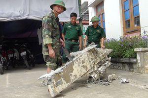 Vớt được vật thể nặng 200kg nghi là của máy bay rơi xuống biển