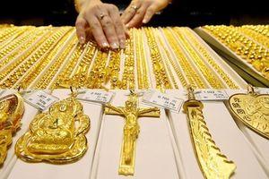 Giá vàng hôm nay 18.9: Áp lực bán tháo suy giảm, vàng đi xuống