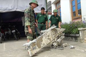 Qung Bình: Phát hin vt th nghi là mnh v máy bay ri xung bin