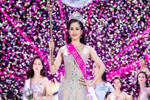 Chiếc váy Tiểu Vy mặc đăng quang đêm chung kết giá tới 150 triệu đồng