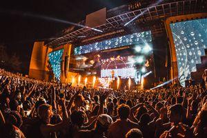 Vụ sốc thuốc tập thể tại lễ hội âm nhạc rúng động nước Mỹ