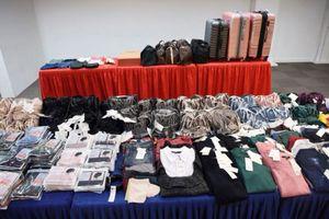 Singapore bắt 4 người Việt nghi trộm quần áo