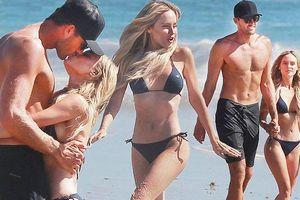 Sau khi bị bắt vì hành hung bạn trai, người đẹp Mỹ tung tăng bikini