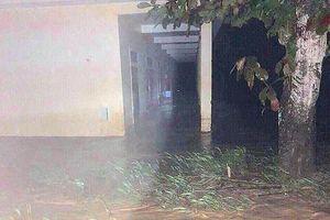 Nghệ An: Lũ quét bất ngờ, thầy trò nháo nhào chạy lũ lúc nửa đêm