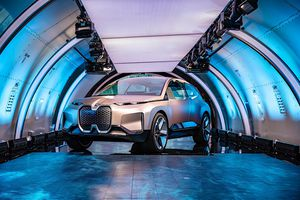 Mu siêu xe t lái n t tng li s ra mt vào nm 2021
