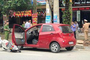 Nghệ An: Nữ sinh lớp 10 bất tỉnh vì lái xe mở cửa bất cẩn