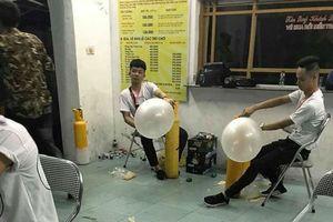Vụ 7 người tử vong nghi sốc ma túy tại lễ hội âm nhạc điện tử: Bóng cười bán công khai, nhân viên bơm bóng đeo thẻ BTC