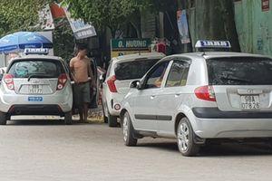 Taxi 'dù' bành trướng vùng quê
