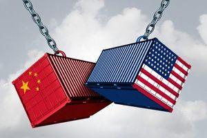 Giáng đòn đau với Trung Quốc, ông Trump lĩnh đủ búa rìu dư luận