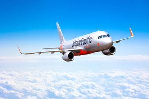 Jetstar Pacific hạ cánh ưu tiên để cứu du khách Mỹ đau tim trên máy bay