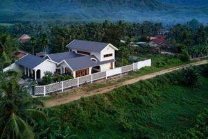 Đẹp hút mắt ngôi nhà trăm năm không cũ ở Bình Định