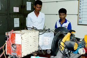 Bắt 2 'đạo chích' gây ra 15 vụ trộm cắp