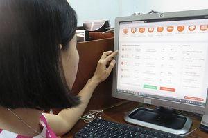 Tài chính 24h: Choáng với mức lãi suất cho vay tiền trực tuyến 720% mỗi năm