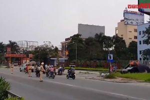 Thót tim những pha CSGT lao ra giữa cao tốc chặn xe vi phạm