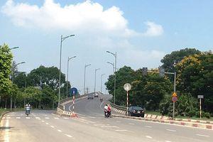 Xử phạt 65 trường hợp vi phạm giao thông tại cầu vượt Nam Hồng