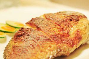 Món ngon mỗi ngày: Cá rô phi chiên giòn chấm mắm tỏi vừa rẻ, vừa dễ làm
