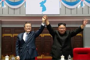 Tổng thống Hàn Quốc dùng quà của nhà lãnh đạo Triều Tiên tặng các gia đình ly tán