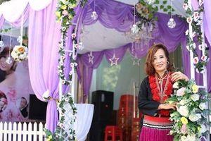 Cô dâu 62 tuổi ở Cao Bằng được mẹ chồng tặng món quà đặc biệt trong ngày cưới