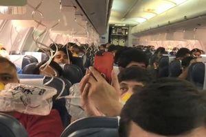 Máy bay náo loạn, hành khách chảy máu mũi vì phi hành đoàn quên bật điều áp trong khoang