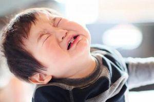 Vụ trẻ khóc đến co giật tím tái ở Hà Nội: Bác sĩ nhi phân tích nguyên nhân