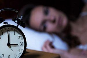 Thường xuyên thức giấc cùng 1 thời điểm mỗi đêm cảnh báo bệnh gì?