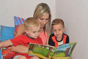 Những điều nên làm khi đọc sách với con