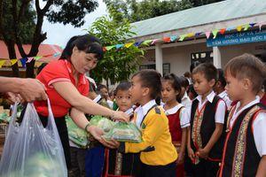 'Trung thu kết nối yêu thương' cho trẻ em nghèo