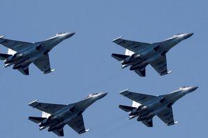 Mỹ trừng phạt Trung Quốc vì mua tên lửa, máy bay Nga