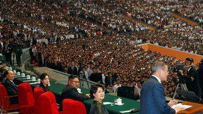 Tổng thống Moon cùng nhà lãnh đạo Kim thăm núi thiêng, kết thúc chuyến thăm lịch sử