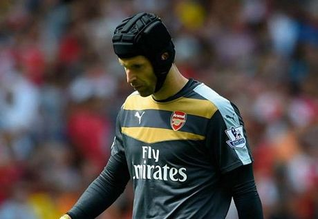 "Wenger: ""Cech co the giup Arsenal danh bai Chelsea"" - Anh 1"