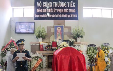 Vinh biet phi cong Pham Duc Trung - Anh 1