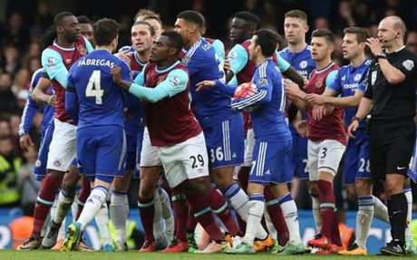 West Ham - Chelsea: Conte chua muon dung lai - Anh 1