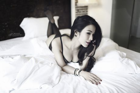 Rao ruc voi loat anh khue phong cua hot girl Viet - Anh 4