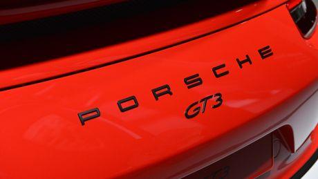 Porsche 911 GT3 lap ky luc voi muc bao hanh 10 nam hoac 120.000 dam - Anh 3