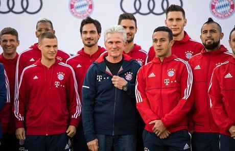 Mỗi cầu thủ của Bayern Munich đã được Audi tặng cho một chiếc Audi A8