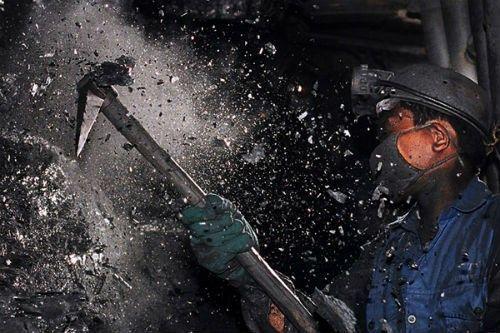 Hàng loạt công nhân Hỏa xa, thợ lò bỏ việc: Lỗi quản trị doanh nghiệp?